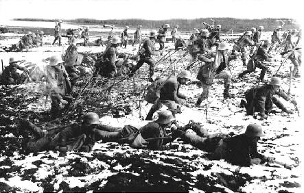 731916 Verdun Continuing German Advances Political Crisis In